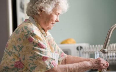 Covid-19 : discrimination des personnes âgées